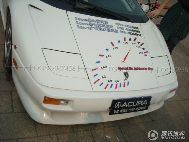 尼车身竟然也做讴歌汽车广告高清图片
