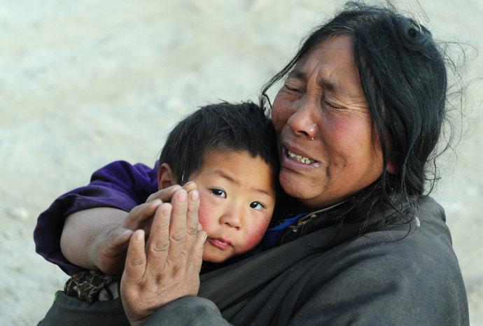 外国记者拍摄的玉树地震图片 - 李志明 - 魂牵梦萦的地方--小丁子村