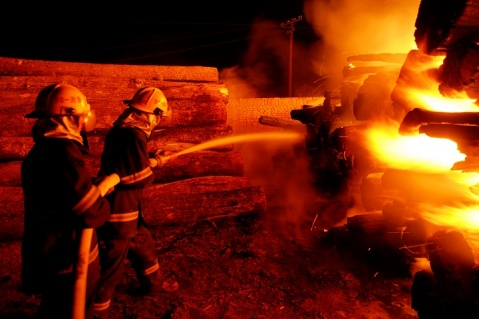 军人图片----烈火金刚 - 披着军装的野狼 - 披着军装的野狼