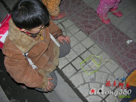 史上最用功的小乞丐(组图)(续)(三) - 视点阿东 - 视点阿东
