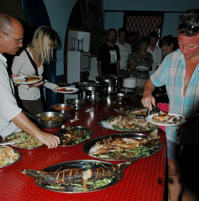 果阿最便宜的海鲜自助餐 - Y哥。尘缘 - 心的漂泊-Y哥37国行