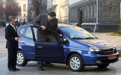 世界最高的人开什么车? - zhangdaxian199 - 大仙的小屋