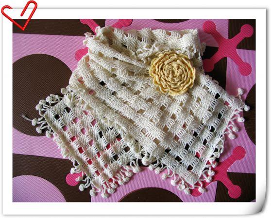 围巾+胸花
