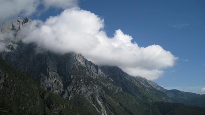玉龙雪山 - moon - 采菊东篱下 悠然见南山