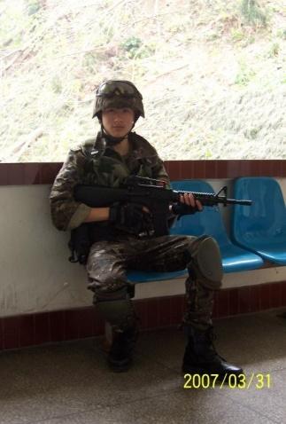 陆军风采——武装小兵 - 披着军装的野狼 - 披着军装的野狼