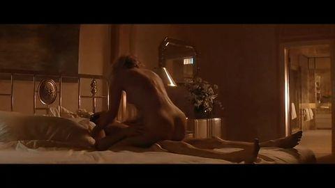 莎朗·斯通银幕生涯伟大奉献-《本能》(剧照