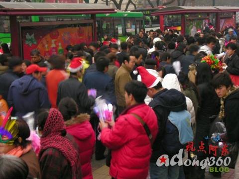 告别07:感受疯狂圣诞节  没有上街的请进来●游人篇(组图) - 视点阿东 - 视点阿东