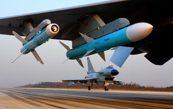 图文:中国空军歼10战机空优挂载出动