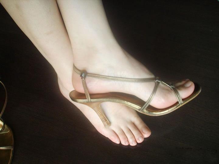 美女应该是大脚还是小脚?