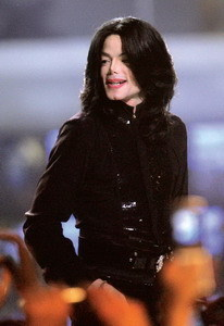 Michael Jackson杀入时装界 - 外滩画报 - 外滩画报 的博客
