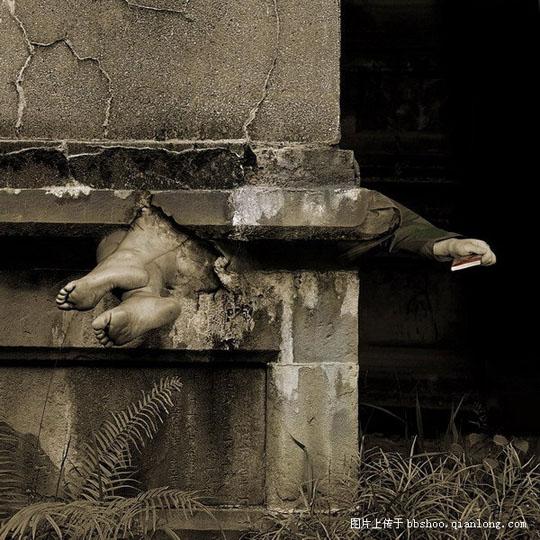 网上看到田太权摄影作品----遗忘非常震撼 - 杨克 - 杨克博客
