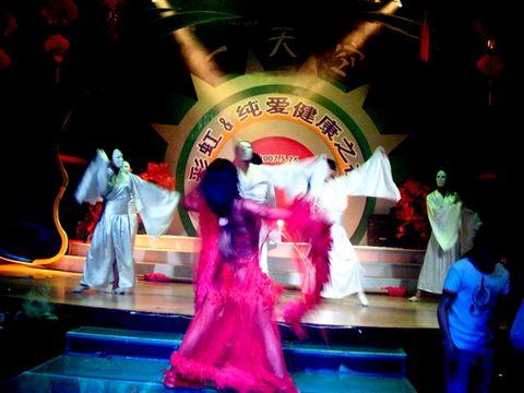 【原创】比女人还女人,反串艺人走红南宁酒吧(多图) - 朱哥哥 - 荒腔走板的江湖