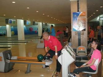 训练中的北京老年保龄球代表队