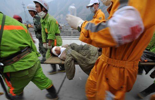 只穿内裤的帅气男孩蒋雨航 被埋123小时成功获救 - 104286596 - 左岸男模坊