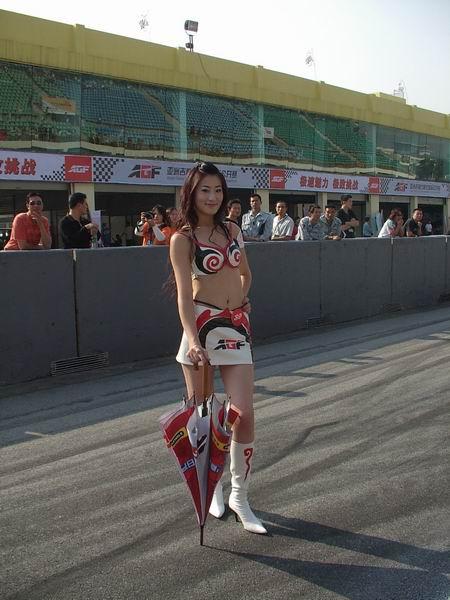 近焦实拍中国最靓丽的车模  - 小言惊喜 - 聚贤堂博客