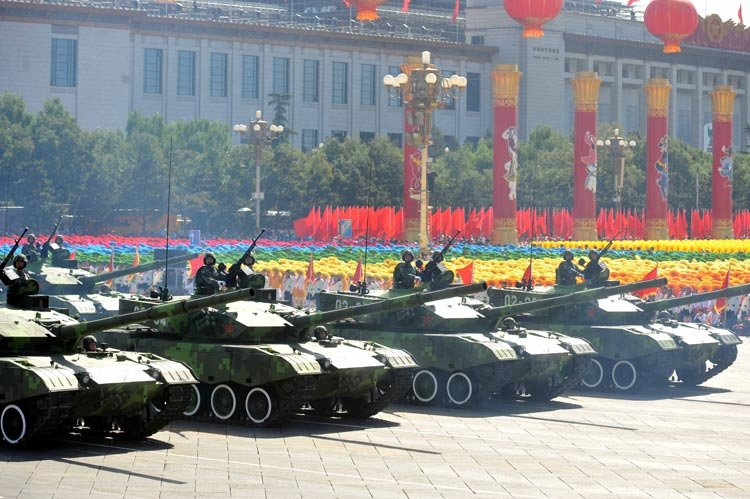国庆阅兵、展示中国军人的风采和军事力量。 - 未来的路 - 笑看风云博客