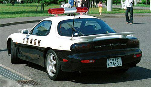 国宝跑车出山 日本警方决心对付飞车族
