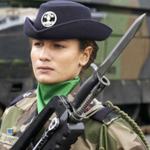 不同国籍的女兵风采 - znyanghong - znyanghong的博客