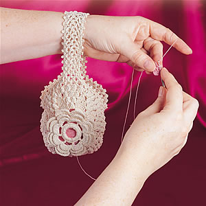 方便的漂亮线团包包(中英文版图...-手工编织坊 - 停留 - 停留编织博客