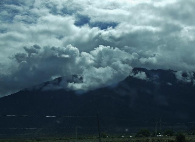 雅鲁藏布江水边看云起--雪域西藏行之五 - 侠义客 - 伊大成 的博客