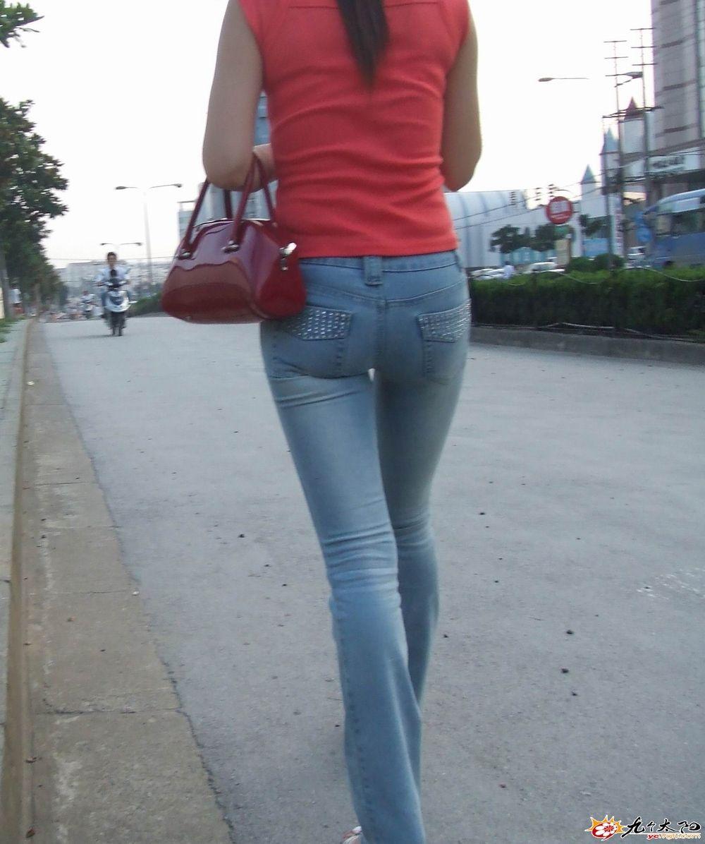 美臀骚货视频_只收集最经典的美臀\\牛仔裤\\紧身裤图片,视频)