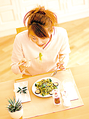 白领午餐4大坏习惯 看看你能占几个 - 懿懿 - 懿阁yg22.com