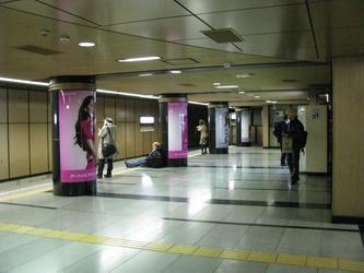 地铁与上班族