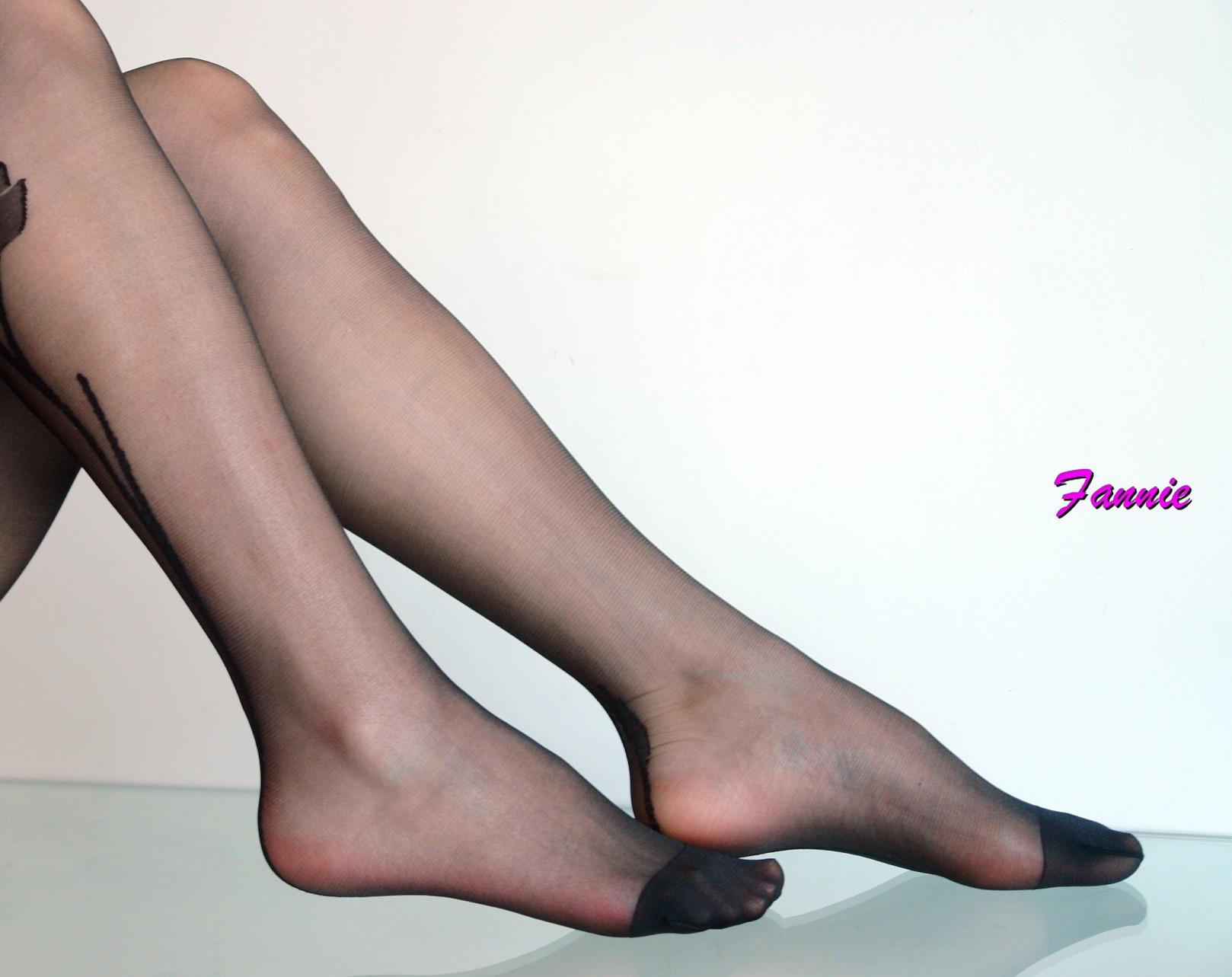 那一丝风情。冷香 - 喜欢光脚丫的夏天 - 喜欢光脚丫的夏天