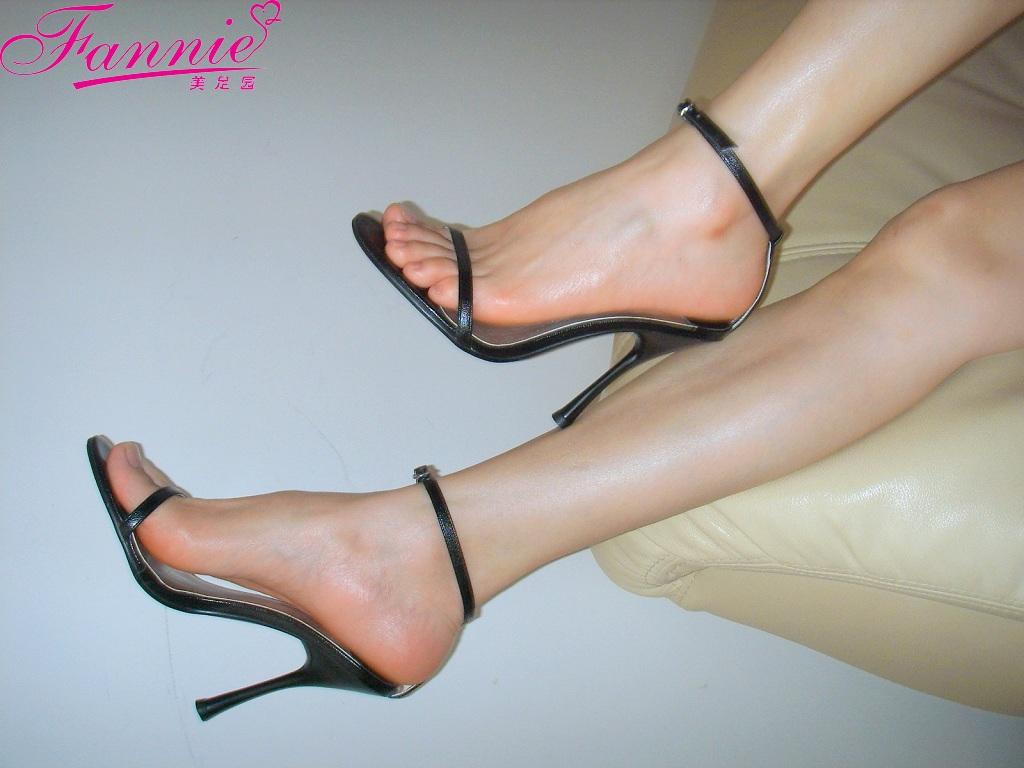 极致高跟魅惑 二 - 喜欢光脚丫的夏天 - 喜欢光脚丫的夏天