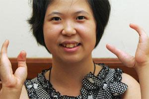 韩国钢琴家李喜芽四指弹奏无瑕青春 - 蔡敬聪 - 蔡敬聪的博客