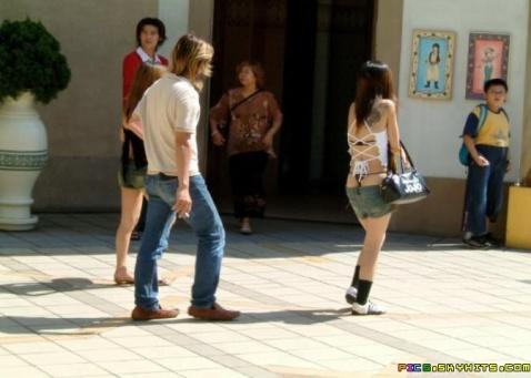 女孩,把你的裤子提起来!(Z) - 周文 - 佛眼看商道