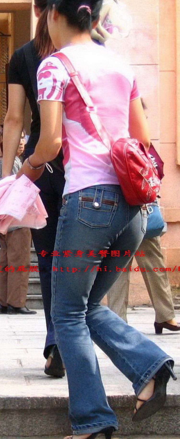 花衣服下的娇小牛仔紧身美臀 - 源源 - djun.007 的博客