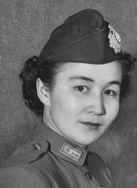 国民党军中的罕见混血美女上校(图)