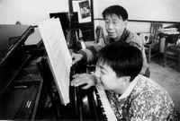 【原创】她是被父亲400耳光打出来的?(2008年9月9日) - 吴山狗崽(huangzz) - 吴山狗崽欢迎您的来访 Wushan