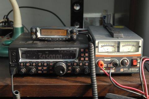 实战:高层建筑 架设 7MHz-50MHz 钓杆天线 - BD7PA - BD7PAのアマチュア無線の専門誌