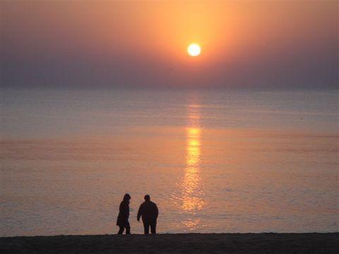 (原创)晨泳观日出 - 阿狗汪汪 - 阿狗汪汪的博客