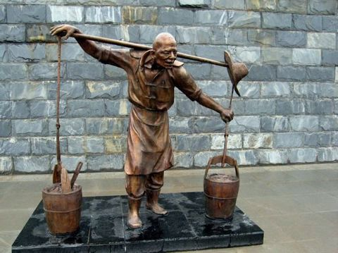 南 昌 城 的 雕 塑 - 海阔天空 - 海阔天空