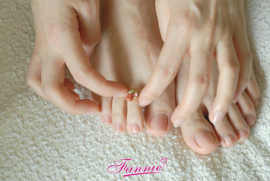 一指纤柔一丝清韵 - 喜欢光脚丫的夏天 - 喜欢光脚丫的夏天