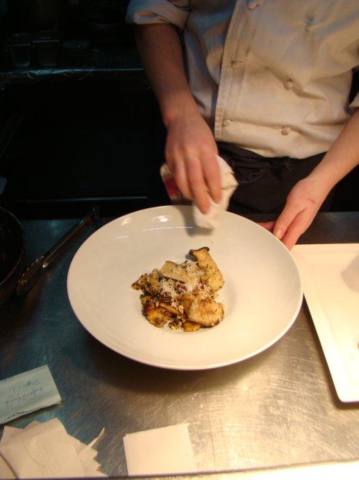 在上海能吃到新鲜野鸡的西餐厅 Downstairs With David Laris - 和研礼仪文化 - 卢浩研--美食美酒无国界