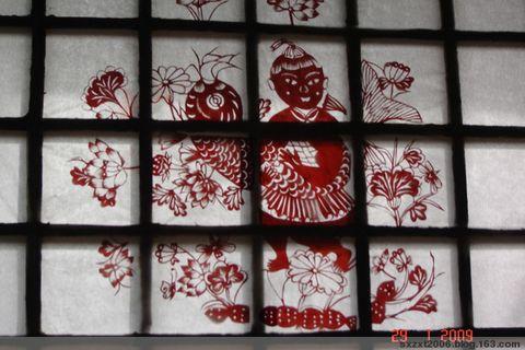 回乡拜年赏母亲的剪纸窗花 - 张希田 - sxzxt2006的博客