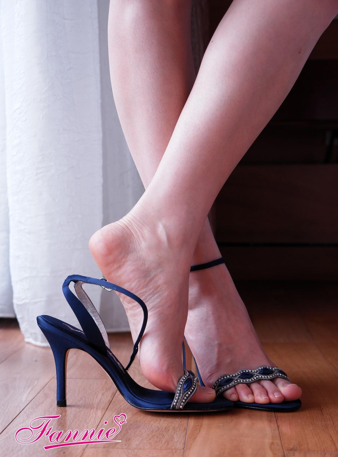 蓝色妖姬 - 爱老婆玉足 - 美女玉足园博客