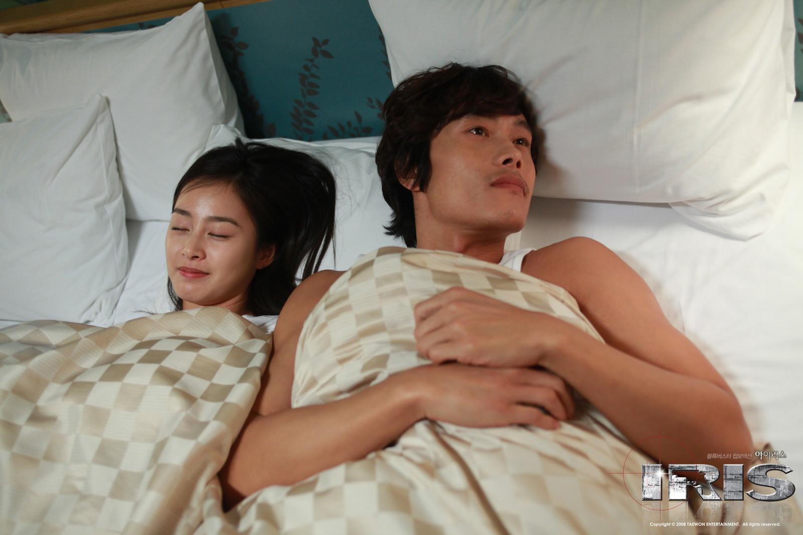 韩国电影爱情片床片 - 裕安图片网