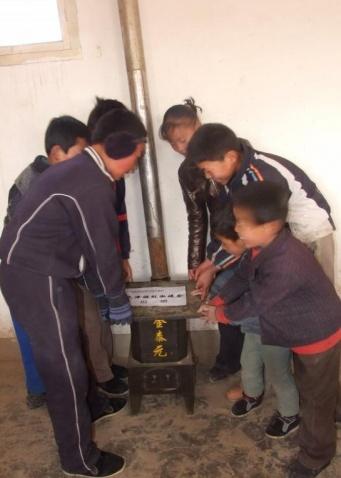 《满家村小学-天津雅致淑媛会捐赠》【林子】   - 西部旅行者 - 在贫困中寻找力量