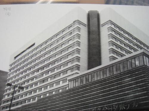 两点透视建筑和2页分镜原稿