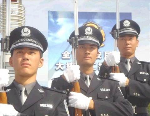 意气风发 - 景军 - 制服与皮革天地