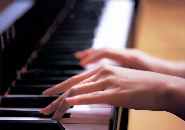 钢琴曲《APNA》难言的感伤 娓娓道来…… - 喜欢光脚丫的夏天 - 喜欢光脚丫的夏天