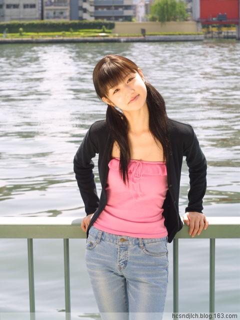 清纯可爱的漂亮女孩(滚动图片)(1) - 沧海 - 沧海的博客