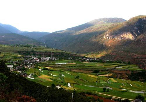 云南香格里拉旅游景点 白水台介绍