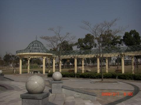 (原)   上海松江游园留影 - 梅梅2007 - 我的博客