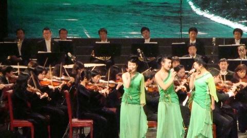 """欣赏""""礼赞湘江""""获奖歌曲演唱会 - 寒  江  映  雪 - 寒江映雪"""